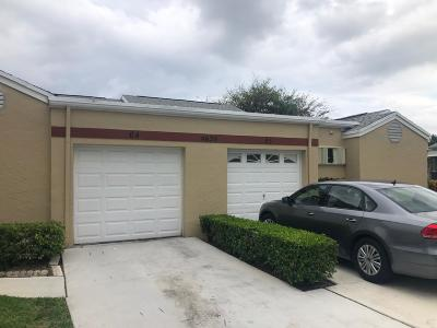 West Palm Beach Single Family Home For Sale: 4620 Amherst Drive #65