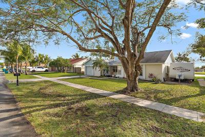 Boynton Beach Single Family Home For Sale: 1174 NW 11th Street