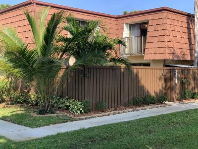 Deerfield Beach Townhouse Contingent: 2434 SW 15th Street #2434