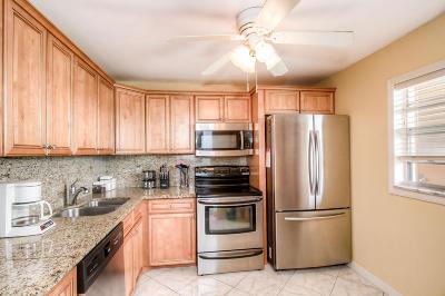 Boynton Beach Condo For Sale: 300 NE 26th Avenue #4090
