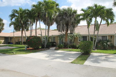 Boynton Beach Single Family Home For Sale: 9899 Watermill Circle #C