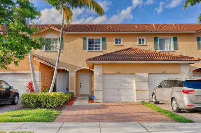 Broward County Townhouse For Sale: 5517 Monte Carlo Place