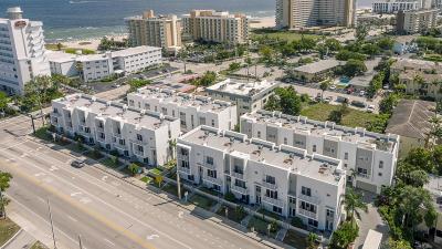 Pompano Beach Townhouse For Sale: 1391 Ocean Boulevard #1391