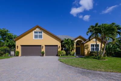 Port Saint Lucie Single Family Home For Sale: 1001 SE Coral Reef Street