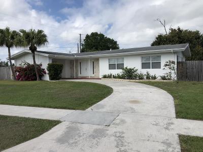Port Saint Lucie Single Family Home For Sale: 179 SE Placita Court