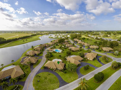 Atlantis Single Family Home For Sale: 121 Clubhouse Boulevard