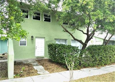 Boca Raton Single Family Home For Sale: 101 Coventry Street