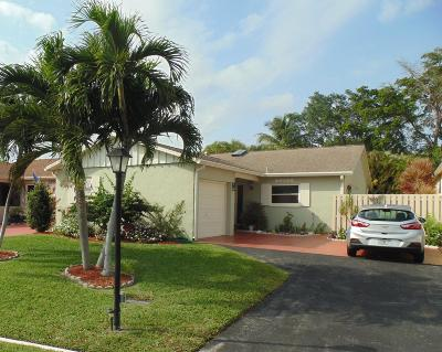 Boynton Beach Single Family Home For Sale: 5253 Mirror Lakes Boulevard