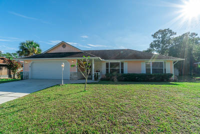 Fort Pierce Single Family Home For Sale: 8305 North Boulevard