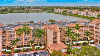 Delray Beach Condo For Sale: 6096 Huntwick Terrace #207