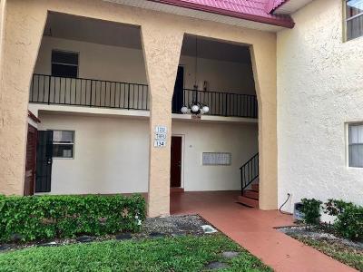 West Palm Beach Condo For Sale: 124 Lake Carol Drive
