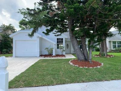 Boynton Beach Single Family Home For Sale: 44 Misty Meadow Drive