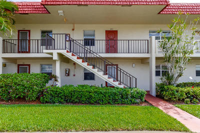 Delray Beach Condo For Sale: 5 Abbey Lane #102