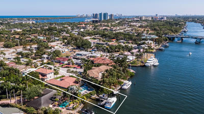 North Palm Beach Single Family Home For Sale: 2077 Waterway Drive