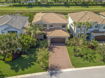 Delray Beach Single Family Home For Sale: 14623 Alabaster Avenue