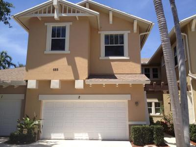 West Palm Beach Townhouse For Sale: 685 Pacific Grove Drive #2