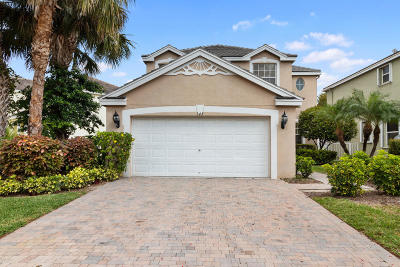 Royal Palm Beach Single Family Home For Sale: 143 Canterbury Place