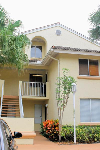West Palm Beach Condo For Sale: 5204 Glenmoor Drive