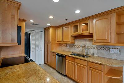 Boca Raton Condo For Sale: 899 Jeffery Street #108