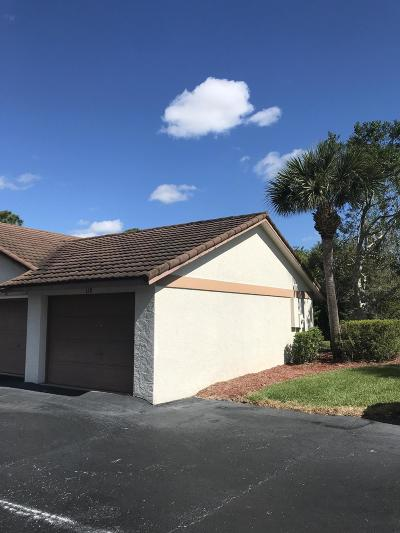 Fort Pierce Condo For Sale: Lakes Terrace #139