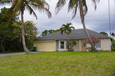 Port Saint Lucie Single Family Home For Sale: 221 SE Sims Circle