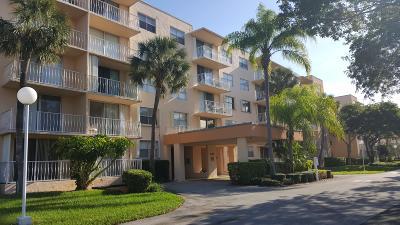 West Palm Beach Condo For Sale: 470 Executive Center Drive #2g