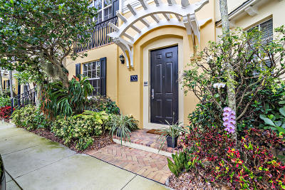 West Palm Beach Townhouse For Sale: 322 Tuxedo Lane