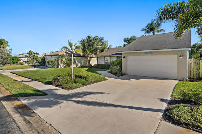 Jupiter Single Family Home For Sale: 136 Arrowhead Circle