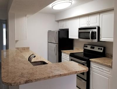 Boynton Beach FL Condo For Sale: $124,500