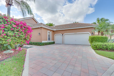 Wycliffe Single Family Home For Sale: 10779 Greenbriar Villa Drive