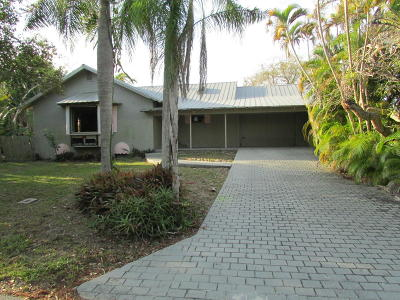 Port Saint Lucie Single Family Home For Sale: 1054 SE Walters Terrace