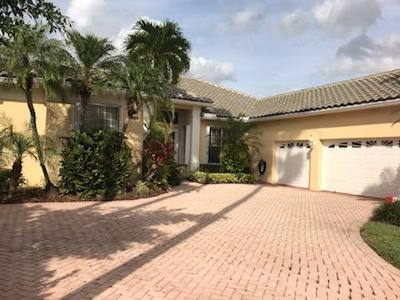 West Palm Beach Single Family Home For Sale: 8933 Lakes Blvd