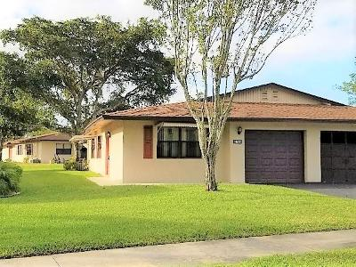 Boynton Beach Single Family Home For Sale: 1622 Palmland Drive #5d