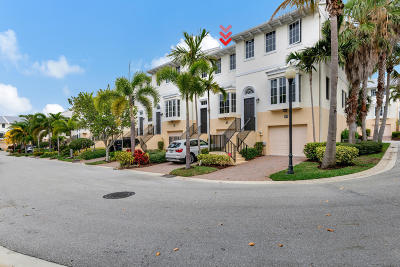 Juno Beach Townhouse For Sale: 472 Juno Dunes Way