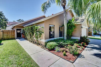 Boca Raton Single Family Home For Sale: 7590 Martinique Boulevard