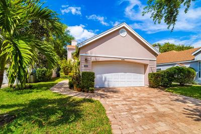Vero Beach Single Family Home For Sale: 8837 Lakeside Circle