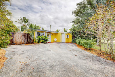 West Palm Beach Single Family Home For Sale: 5740 Gramercy Drive #one