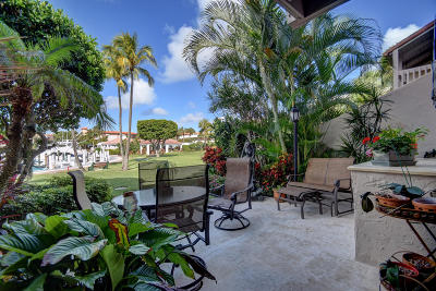Yacht & Racquet Club Of Boca Raton, Yacht & Racquet Club Of Boca Raton Condo Townhouse For Sale: 2677 Ocean Boulevard #Th17