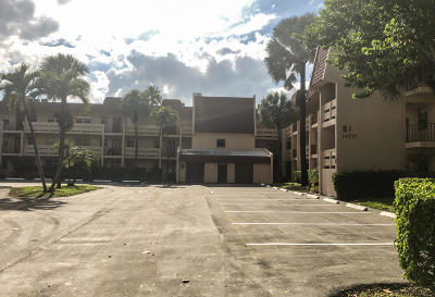 Delray Beach FL Condo For Sale: $75,000