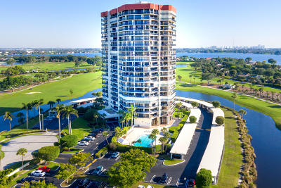 West Palm Beach Condo For Sale: 1900 Consulate Place #105