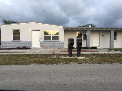 Riviera Beach Multi Family Home For Sale: 184 W 24th Street