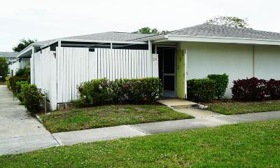 Royal Palm Beach Condo For Sale: 24 East Court #C4