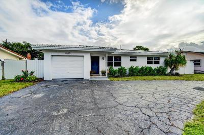 Boca Raton Single Family Home For Sale: 2650 NE 26th Terrace
