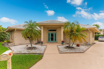 Hobe Sound Single Family Home For Sale: 10322 SE Bluefish Court