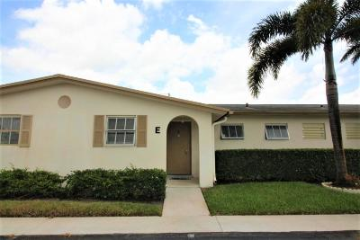 West Palm Beach Single Family Home For Sale: 5043 Cresthaven Boulevard #E