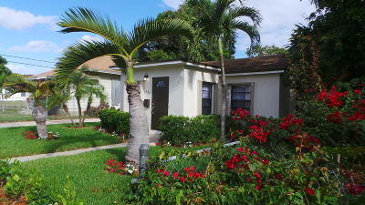 West Palm Beach Single Family Home For Sale: 625 Monroe Drive