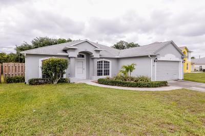 Port Saint Lucie Single Family Home For Sale: 587 SW Columbus Drive