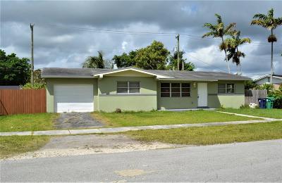 Miami-Dade County Single Family Home Contingent: 28520 SW 146th Avenue