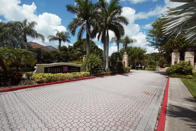 West Palm Beach Condo For Sale: 1727 Village Boulevard #108