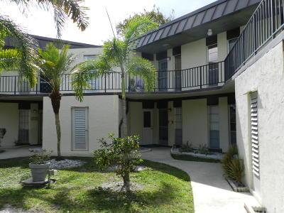 Royal Palm Beach Condo For Sale: 2 Greenway Village #207